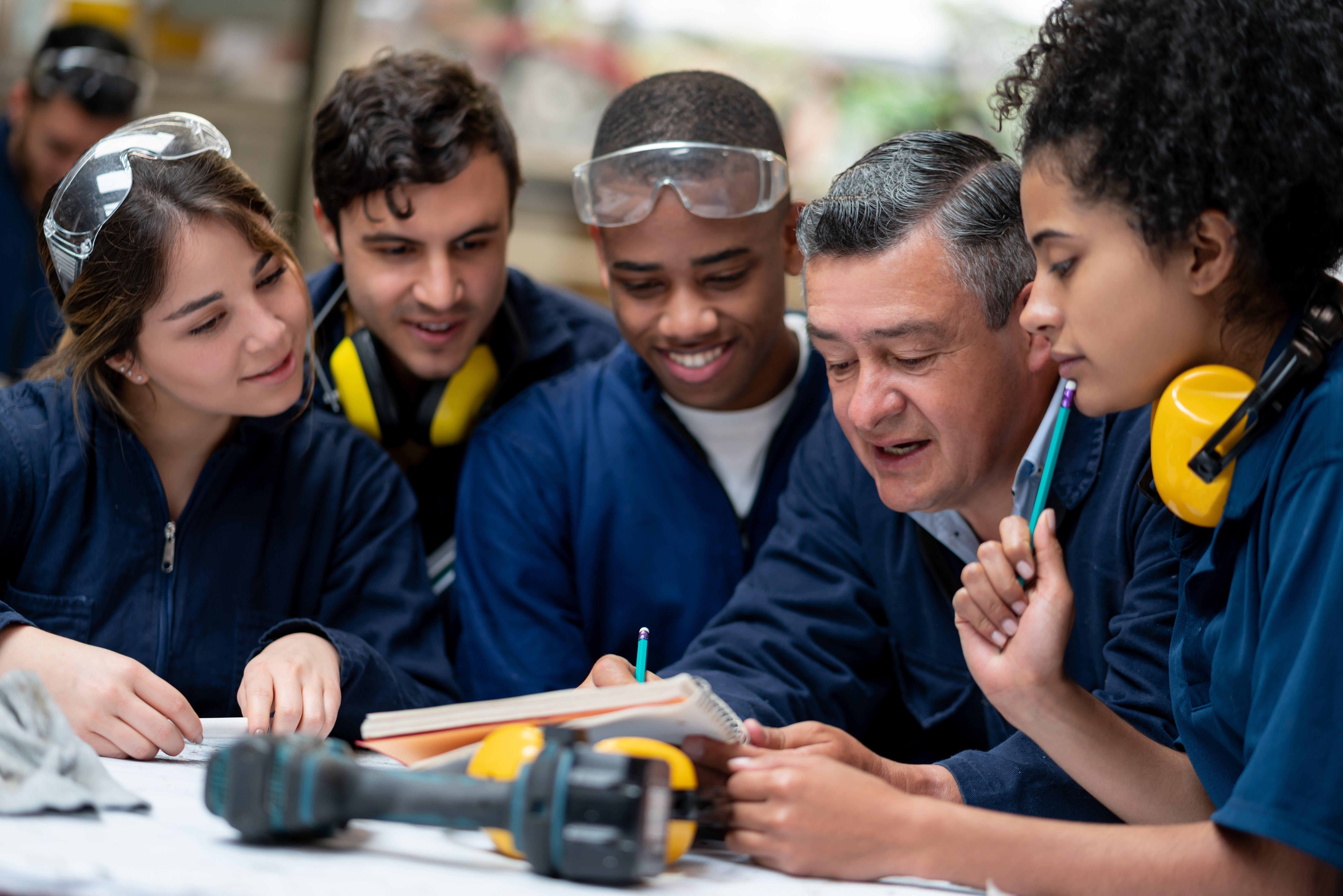construction-apprentices